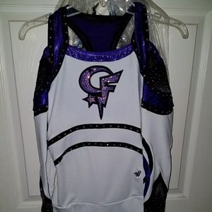 BRAND NEW VARSITY COMPETITION CHEER UNIFORM